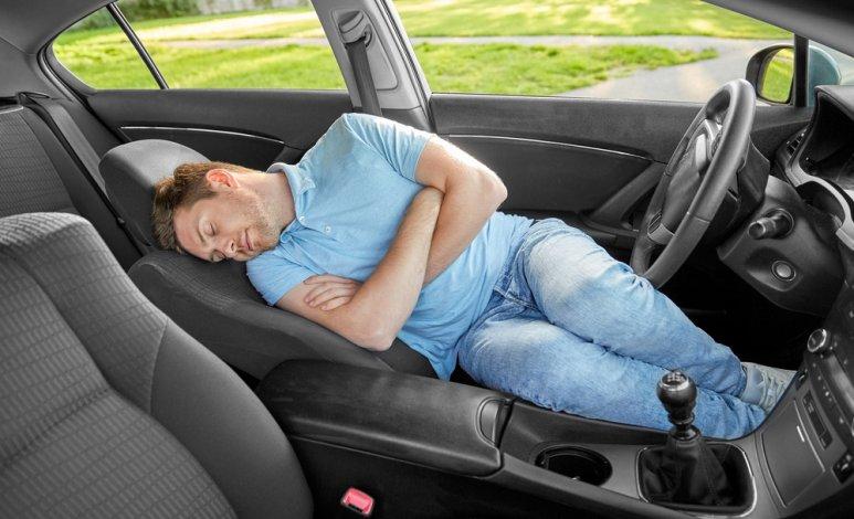 Tips para dormir en el auto