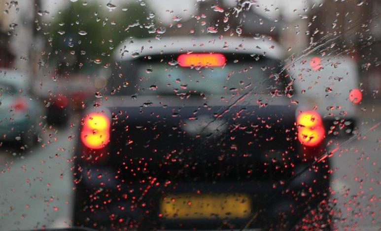 Consejos para conducir en ciudad en época de lluvias