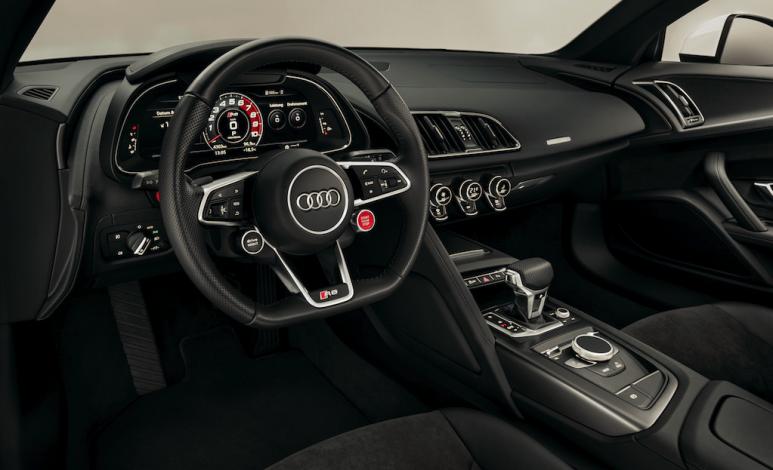 Por qué los autos deportivos de Audi tienen menos pantallas