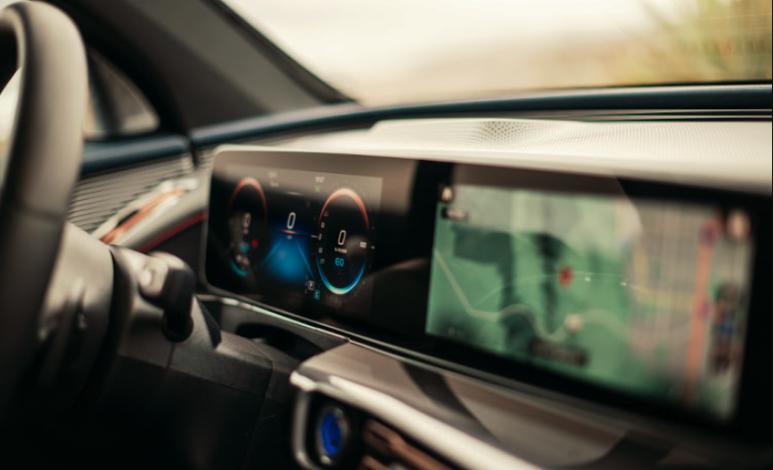 Cómo funcionan las actualizaciones de los autos eléctricos