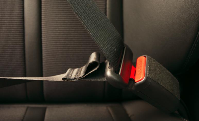 Para qué sirve el bucle en el cinturón de seguridad